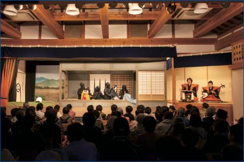 Кукольный театр «нингё дзёрури»